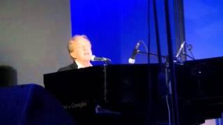 Memo Remigi al pianoforte -Medley al II° Memorial Tenco (Acqui Terme)