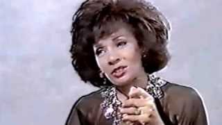 Shirley Bassey - Interview w/ Gloria Hunniford / This Is My Life (1984 Live)