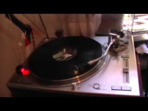 Calvin Harris ft. Ummet Ocean - Overdrive [Original Mix][Vinyl HD Sound]