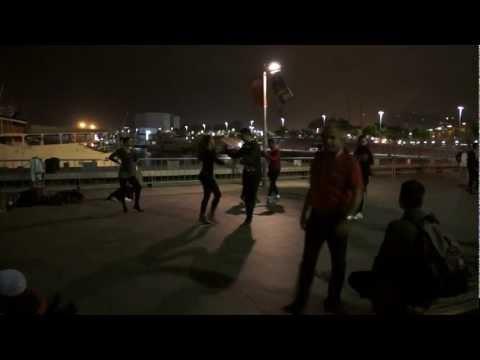 Salsa in barcelona - street dancers