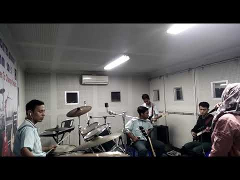Cover Tanah Airku By Yowes Band