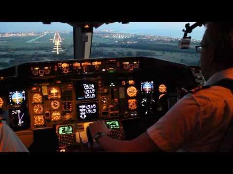 Boeing 767 300 Cockpit Landing in Rome Fiumicino FCO