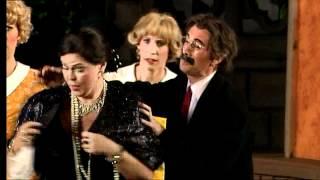 Lydia The Tattooed Lady in Swedish! Groucho Marx-  Den Stora Premiären