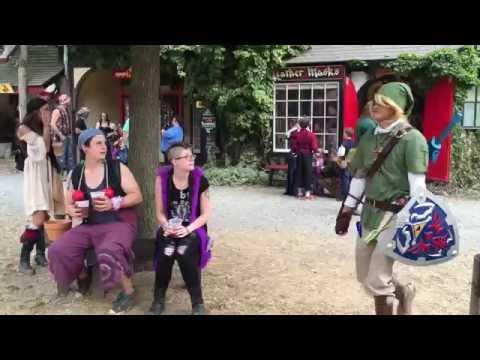 Link Smashing Pots at Renaissance Festival