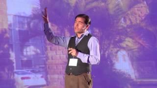 ¿Sabías que una oruga no se convierte en mariposa? | Cuauhtémoc Méndez | TEDxZapopan