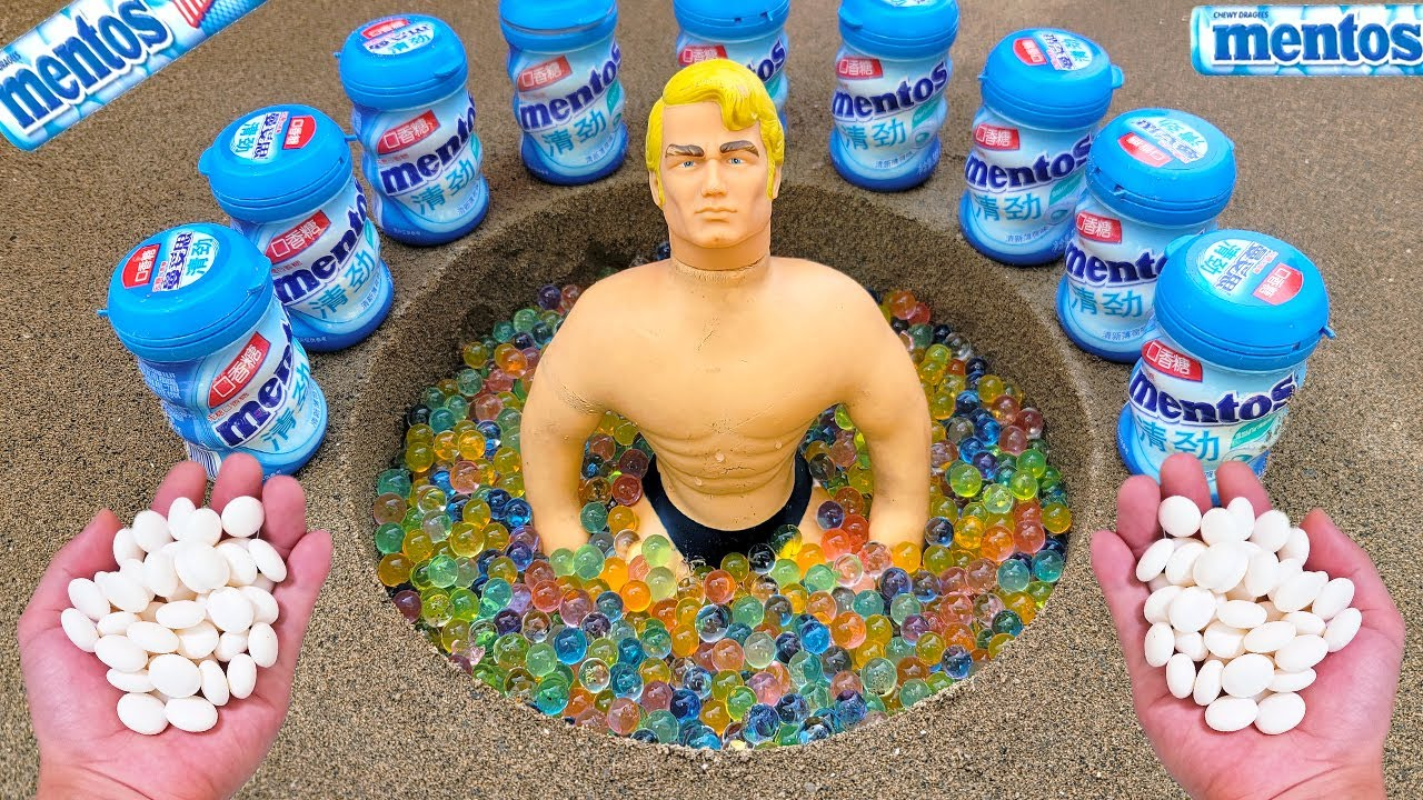 Coca Cola, Different Fanta, Stretch Armstrong, Pepsi, Sprite and Mentos In the big underground hole