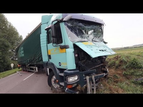 compilation d 39 accidents de camions n 21 truck crash compilation f vrier 2016 youtube. Black Bedroom Furniture Sets. Home Design Ideas