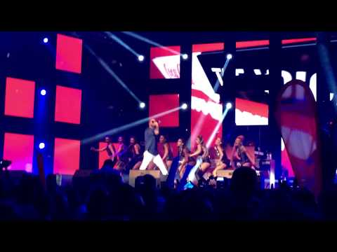 Massari   Real love remix Coca-cola The Voice Happy Energy Tour Sofia 2017