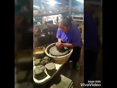 Pottery making in SAGADA,Mountain Province #howtomakepot #potterymaking #sagadapottery