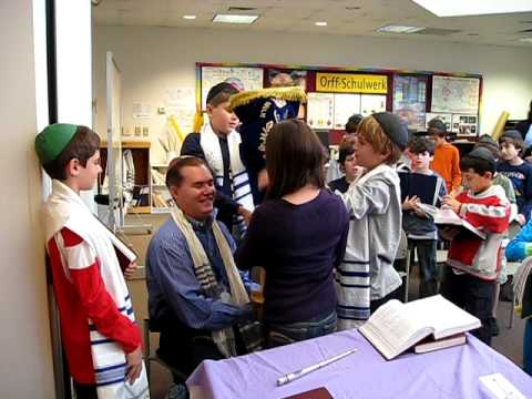 Agnon School  5th Grade Torah Service 04