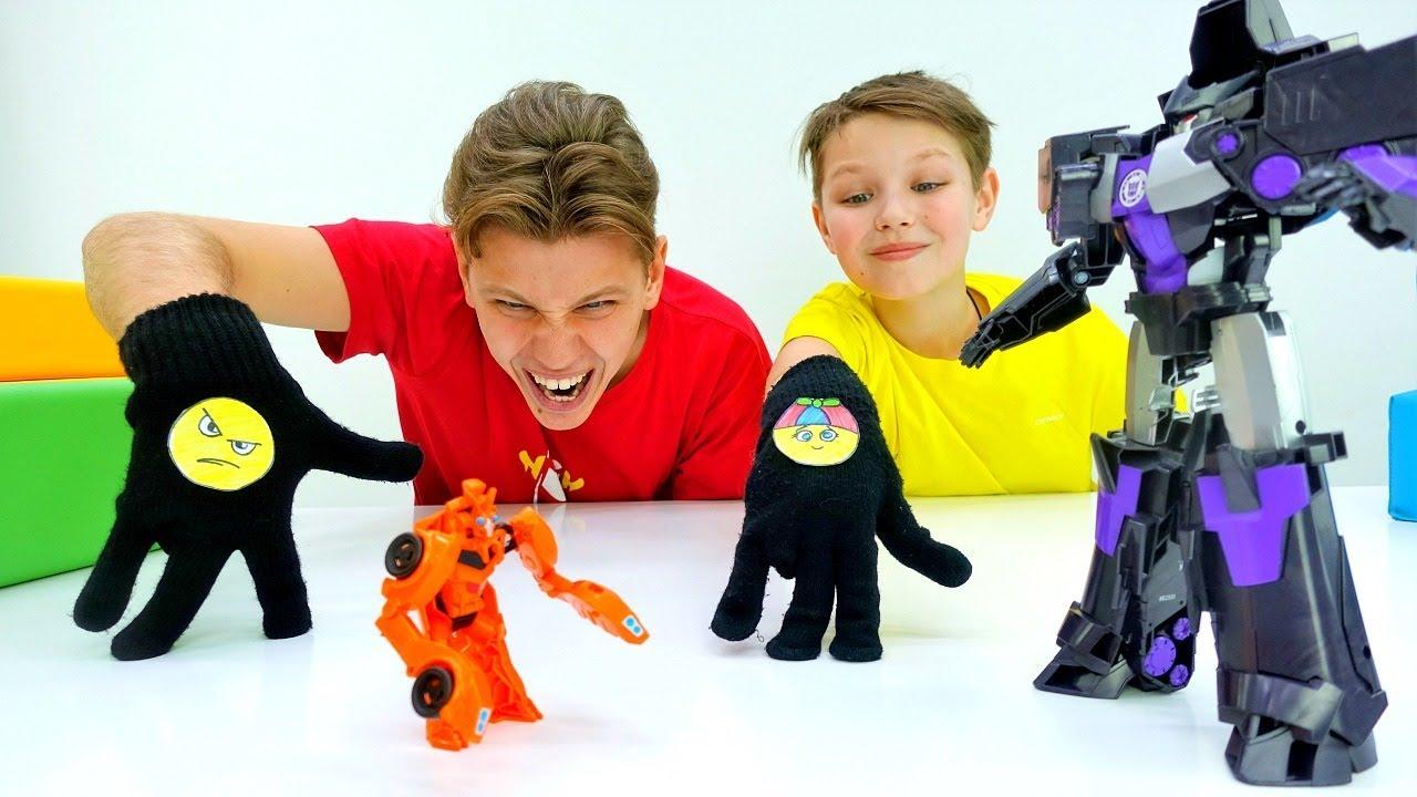 Десептиконы против Трансформеров из перчаток. Видео игры для детей.
