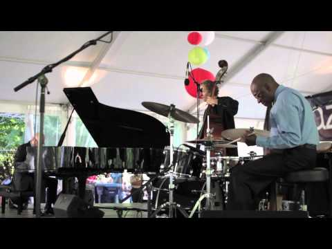 "Tootie Heath Trio ""Bye-Ya"" at the 2014 Chicago Jazz Festival"