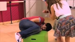 Violetta - Los momentos muy Andrés