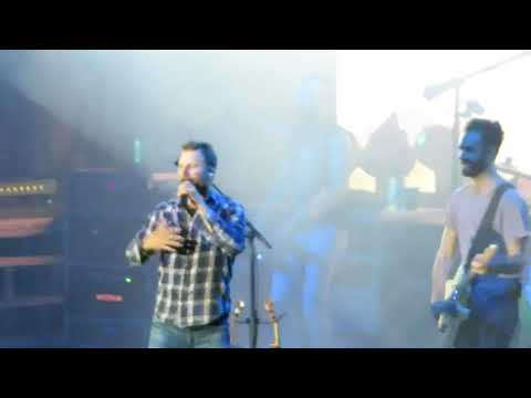 Free And Easy Down The Road I Go Live Dierks Bentley Dierks Bentley Video Fanpop