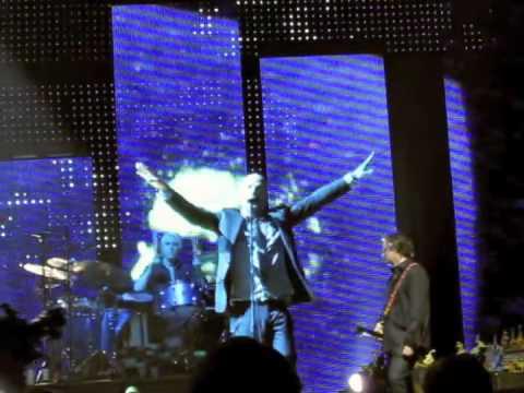 R.E.M. Supernatural Superserious LIVE ATLANTA 2008