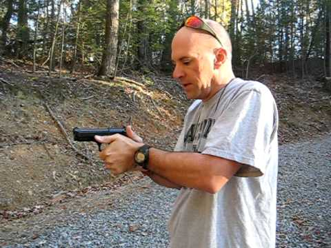 Manipulating the Slide on the M9/ Beretta 92 by Gomez-Training.com