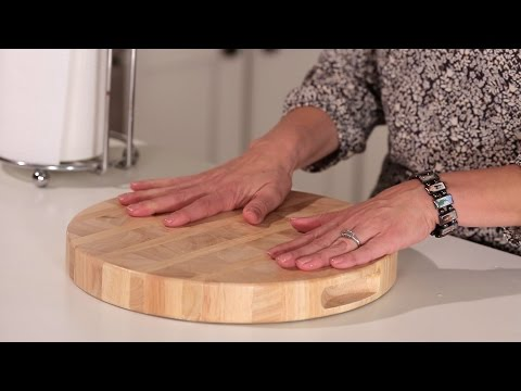 How to Keep Your Cutting Board from Slipping | Muy Bueno