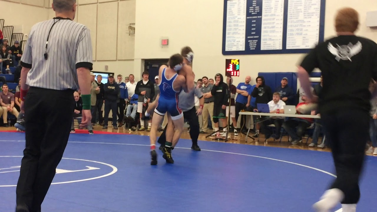WC's Wade Mitchell edges Kory Van Oort, of West Sioux for District title