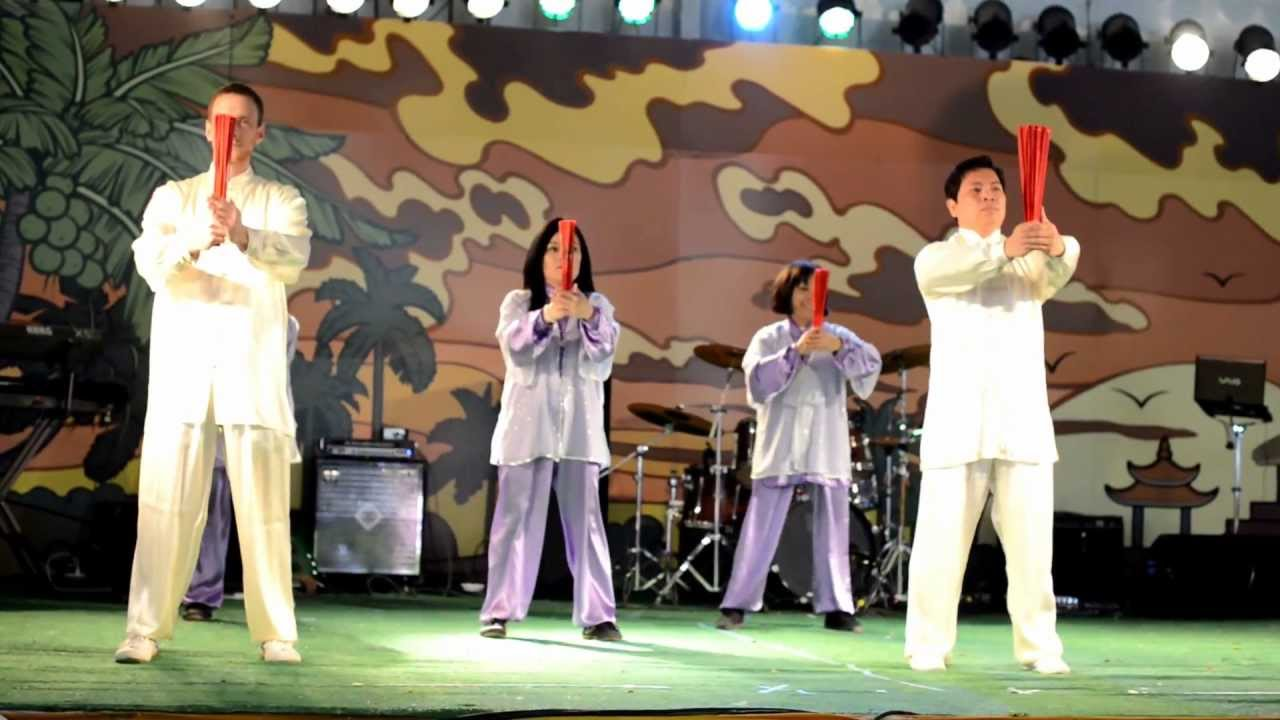 56 tai chi fan group performance youtube. Black Bedroom Furniture Sets. Home Design Ideas