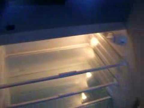 Bosch Kühlschrank Macht Geräusche : Kühlschrank a geräusche r600a butan youtube