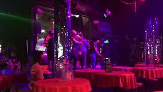 Cheap thrills -Sia Ellashakira Cover at Taipan FBI PHUKET Thailand