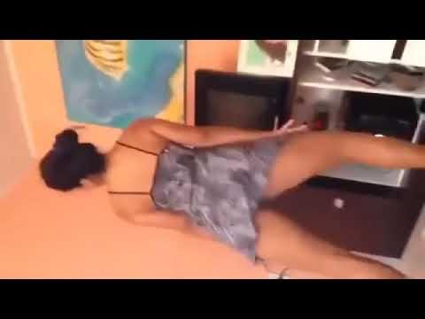 Novinha safada dançando funk 😲