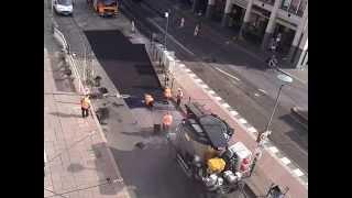 Как делают немецкие дороги. Как кладут асфальт в Германии(Никакие это не частные дороги, работы ведутся вручную и поэтому они стоят годами и не рассыпаются за полгод..., 2013-08-04T19:08:17.000Z)
