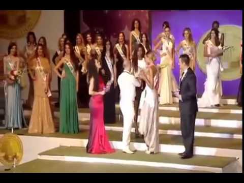 WILFREDO MENDOZA IMPONE LA BANDA DE MISS FRIENDSHIP MISS GLOBE INTERNATIONAL 2012