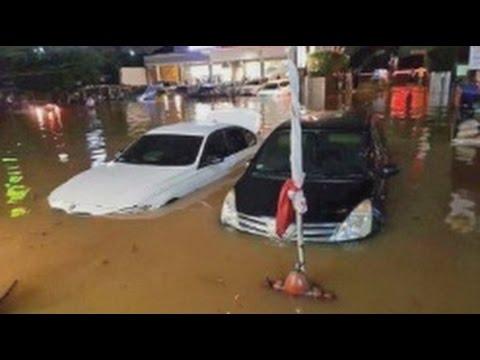 Jakarta Banjir Parah, Sejumlah Wilayah & Mobil Mewah Terendam