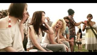 Смотреть клип Carly Rae Jepsen - Bucket
