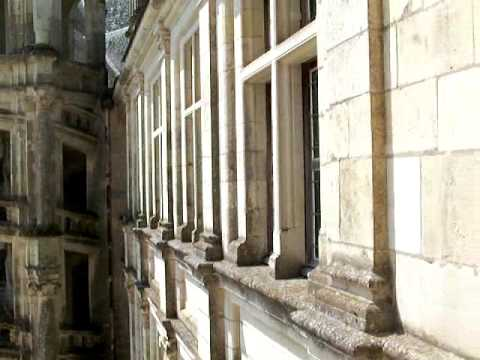 A l 39 int rieur du ch teau de chambord youtube for Inside a l interieur