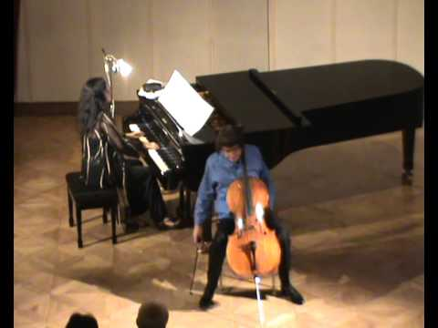 Julian Lloyd Webber plays Piazzola's 'Oblivion' live at Levoca