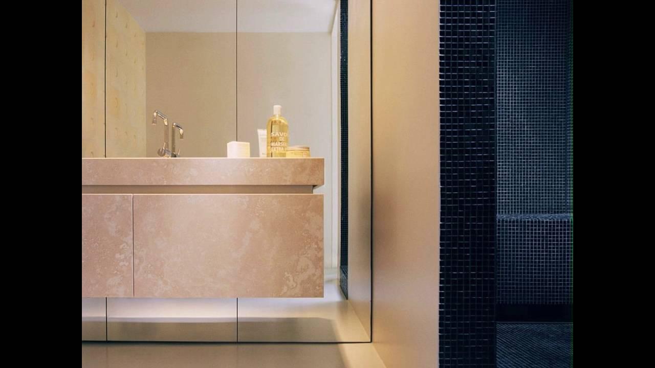 Dunkle Fliesen Form Der Duschbereich In Der Gemutlichen Badezimmer