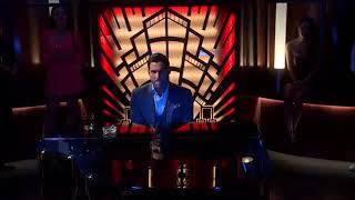 #lucifer #netflix Lucifer | 4x01 | Lucifer(Tom Ellis) sings Creep (by Radiohead) Resimi