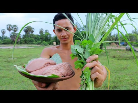 How To Primitive Cooking Pig Kidney Fried Recipe For Dinner | Wilderness Life