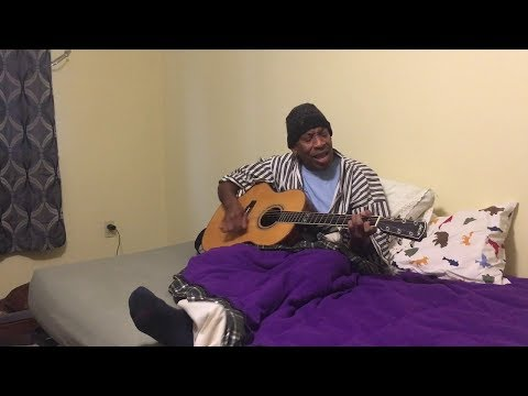 """Reggie Harris performs """"This Little Light of Mine"""" in bed   MyMusicRx #Bedstock 2017"""