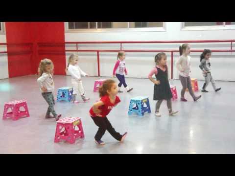 видео: детский танец попурри-репетиция vizavi