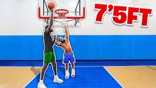 1v1 Basketball Against 7'5 GIANT Hooper Hooper!