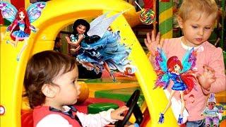 ПУПС и маленькие ПРИНЦЕССЫ ! Развлечения, Обзор новой куклы,Детская Площадка,Машинки,Куклы,Барби.