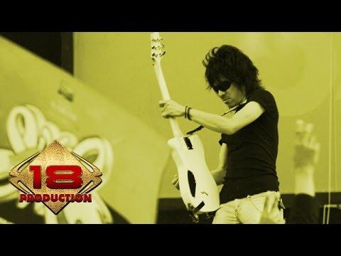MERINDING!! SLANKERS BERSATU DI SINI ... (Live Konser Lampung 27 Juni 2006)