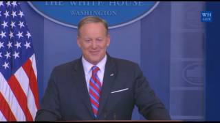 Rob Gronkowski INTERRUPTS sean spicer press conference briefing 4/19/2017 video