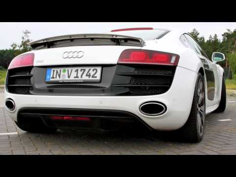 Driving an Audi R8 V10 5.2 FSI on German Autobahn - Topspeed: 330 km/h