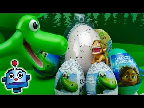 arlo-opens-surprise-eggs-with-a-baby-dinosaur