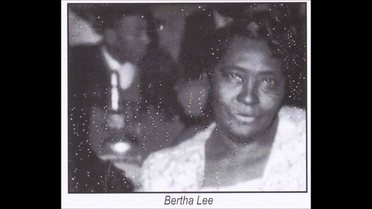 Bertha Lee With Charley Patton-Yellow Bee - YouTube