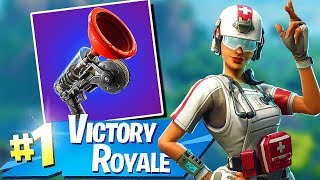 Fortnite-NEW SKINS!! NEW WEAPON & NEW GAME MODE!! THE CUBE HAS STIRRED! -Soils & Squads