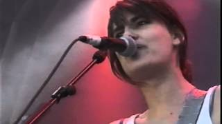 Elastica - Waking Up (Glastonbury Festival 2000 HQ)