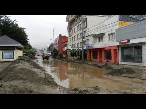 Flood in Punta Arenas - 2nd day - cleaning.