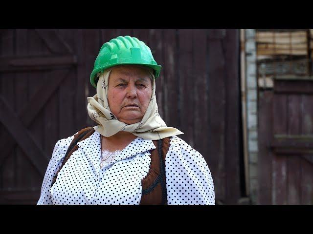 Bunica și meșterii din construcții - MIRCEA BRAVO