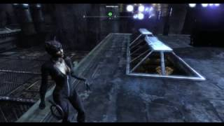 Batman Arkham City женщина кошка тащит