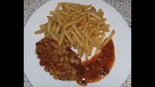 Пожарские котлеты с картофелем фри и авторским томатным соусом